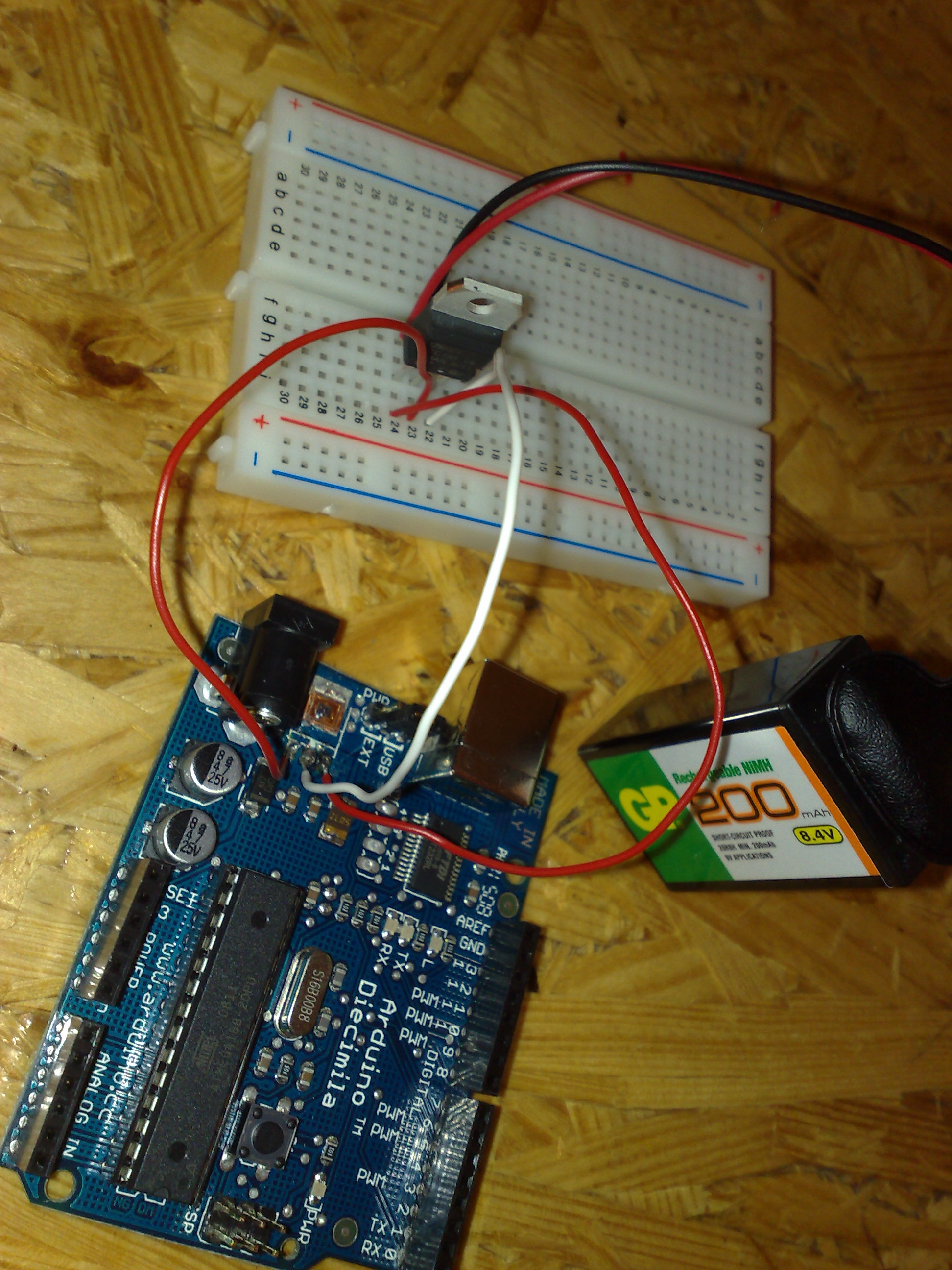 Arduino with broken voltage regulator 1